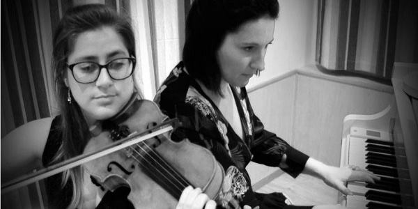 Duo Sacy Musicians in France Pianist and Violinist